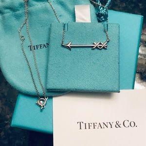 Tiffany&Co. Paloma Picasso Graffiti Arrow Pendant
